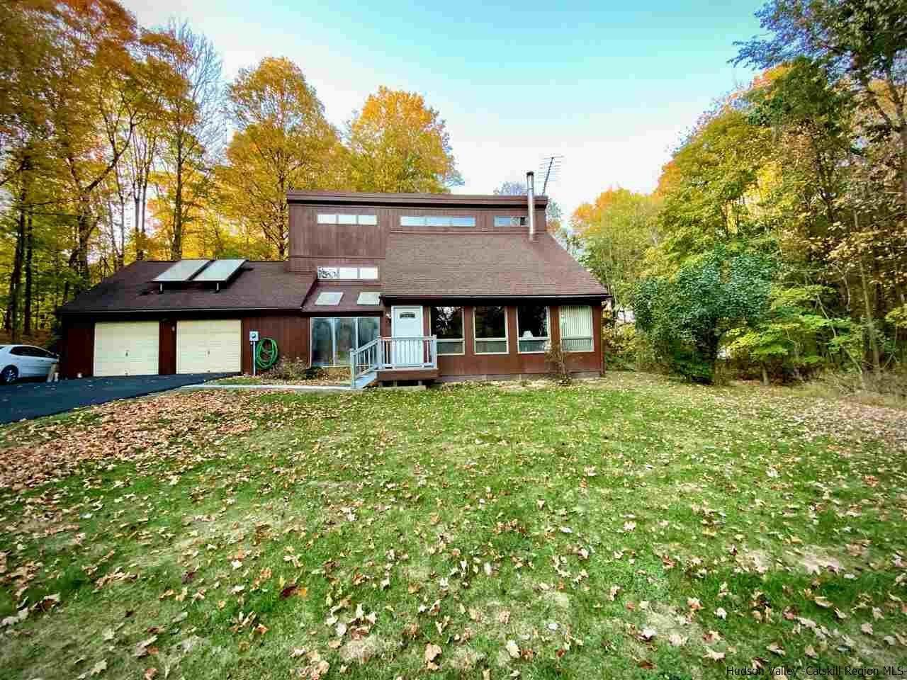 Single Family Homes for Sale at 5 John Court Highland, New York 12528 United States