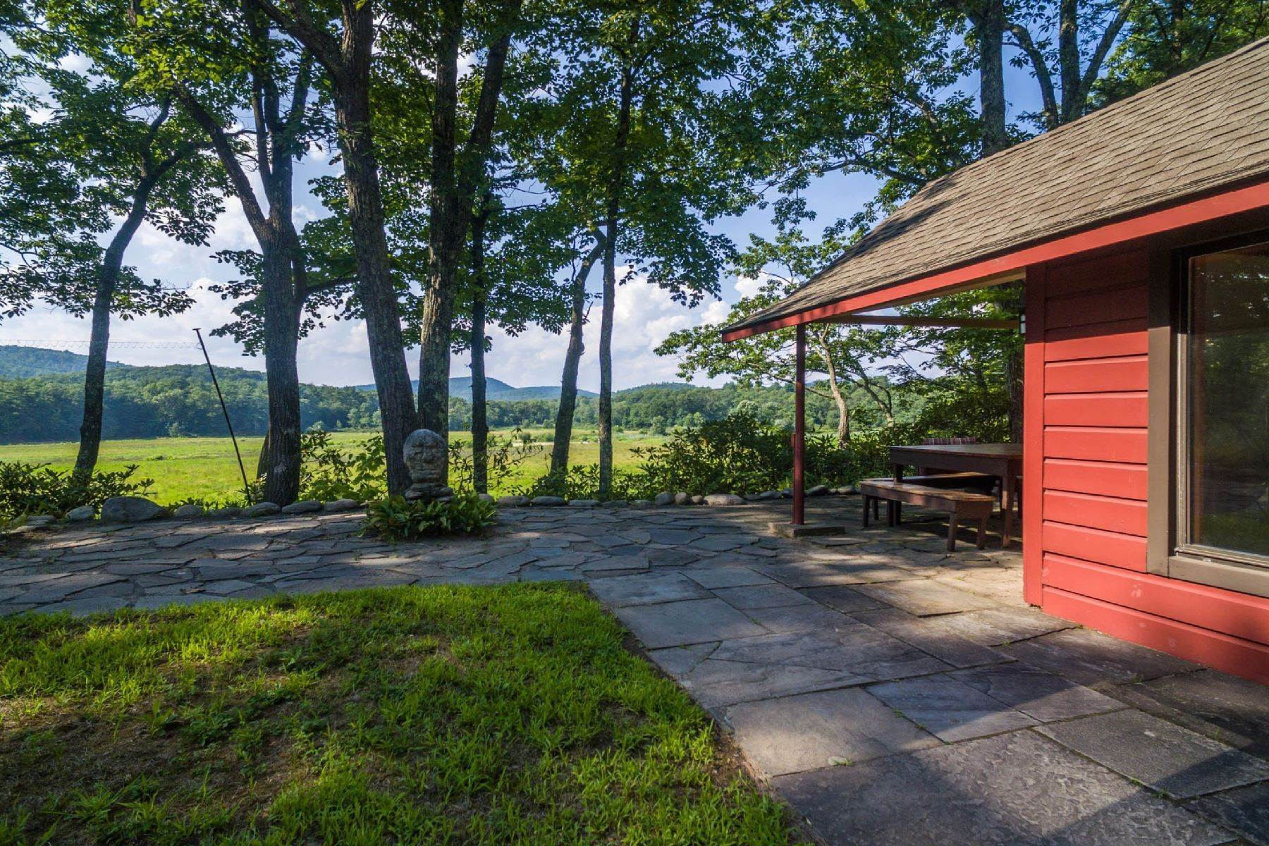 2. Single Family Homes for Sale at Panoramic Views of the Catskill High Peaks 14 Honk Lake Road N Napanoch, New York 12458 United States