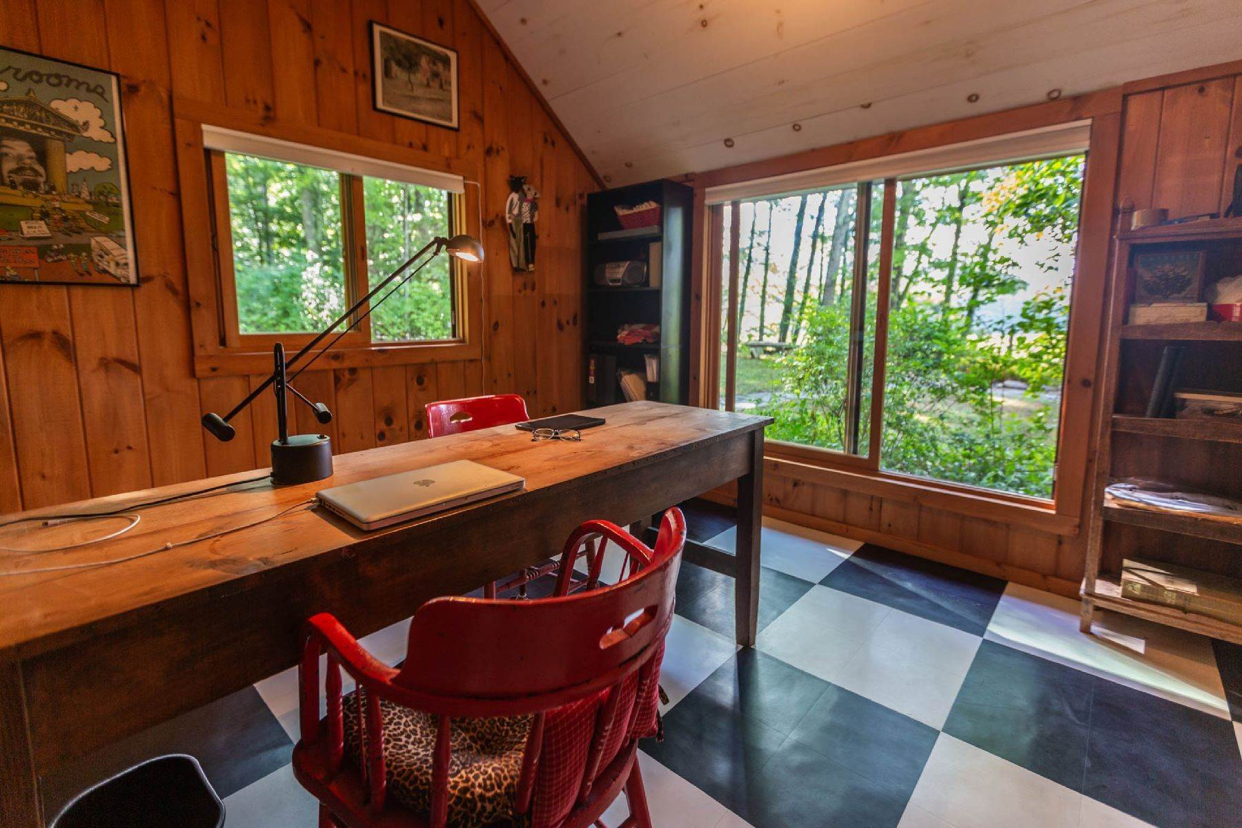 17. Single Family Homes for Sale at Panoramic Views of the Catskill High Peaks 14 Honk Lake Road N Napanoch, New York 12458 United States