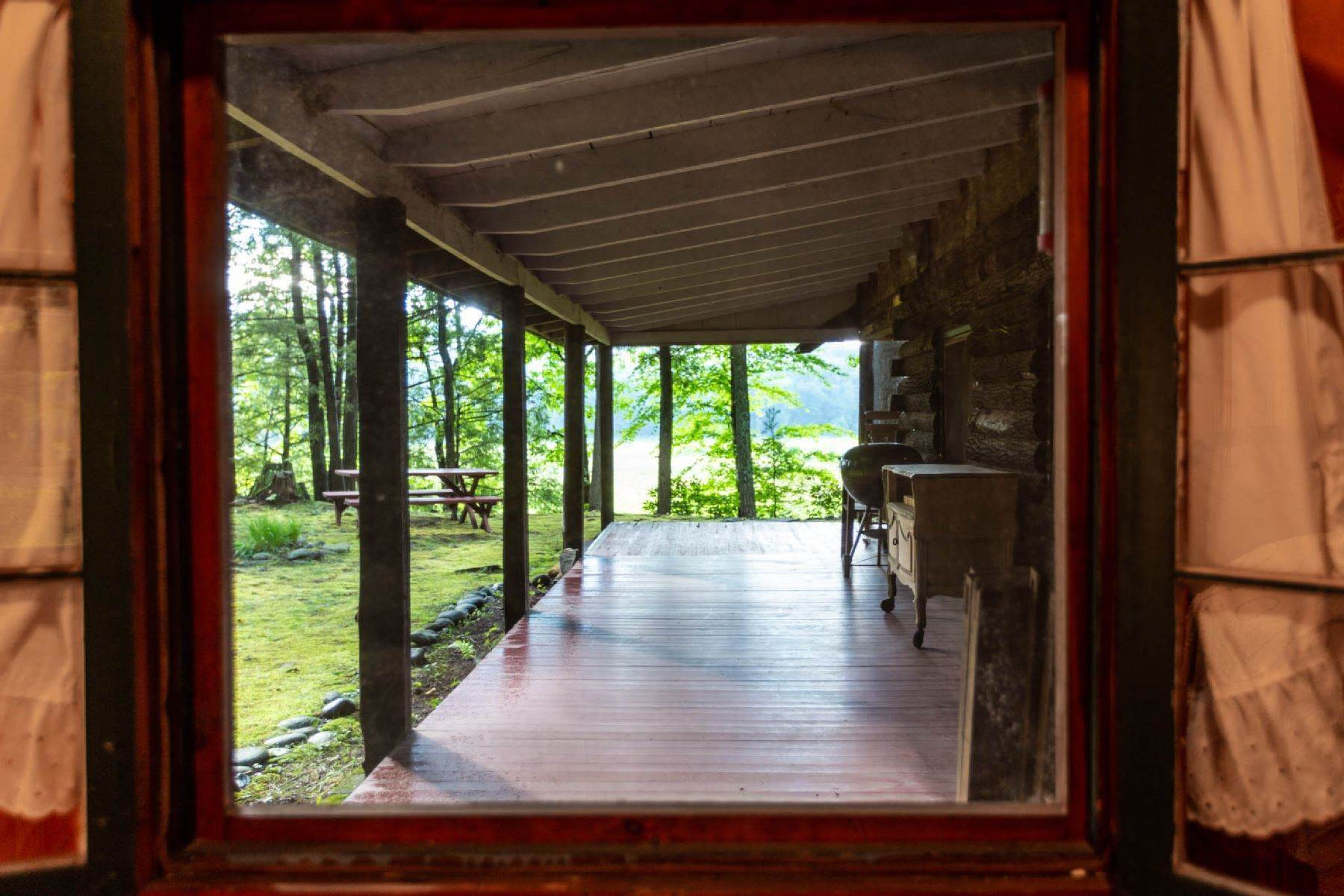 34. Single Family Homes for Sale at Panoramic Views of the Catskill High Peaks 14 Honk Lake Road N Napanoch, New York 12458 United States