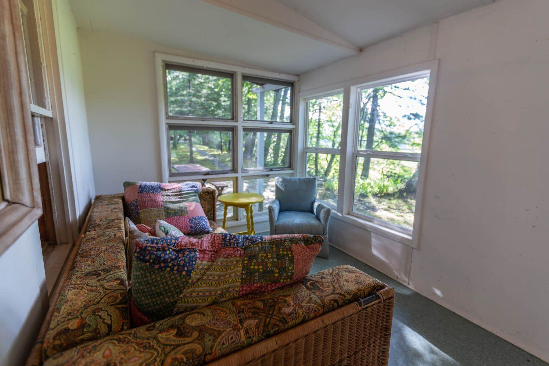 25. Single Family Homes for Sale at Panoramic Views of the Catskill High Peaks 14 Honk Lake Road N Napanoch, New York 12458 United States