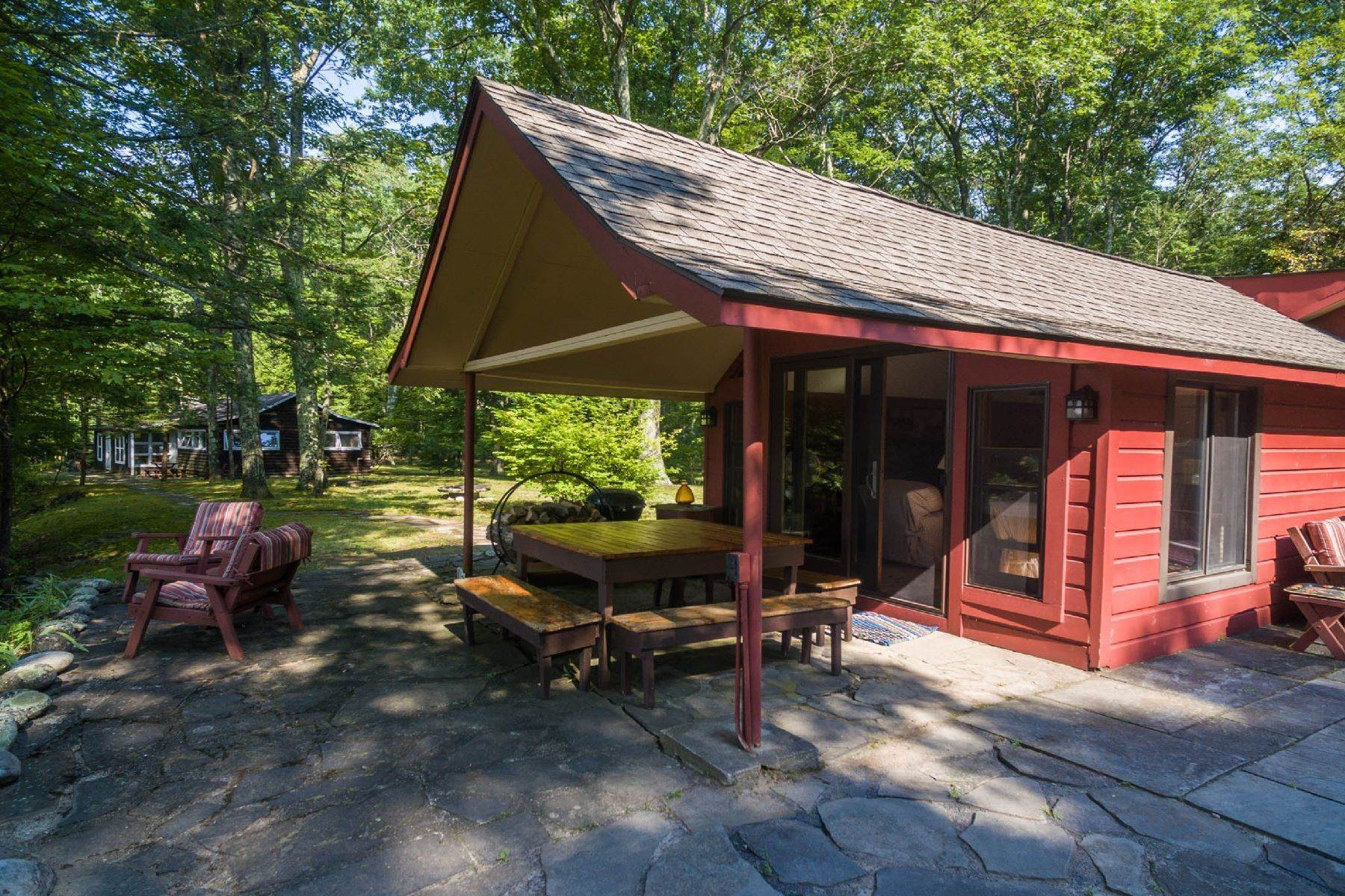 9. Single Family Homes for Sale at Panoramic Views of the Catskill High Peaks 14 Honk Lake Road N Napanoch, New York 12458 United States