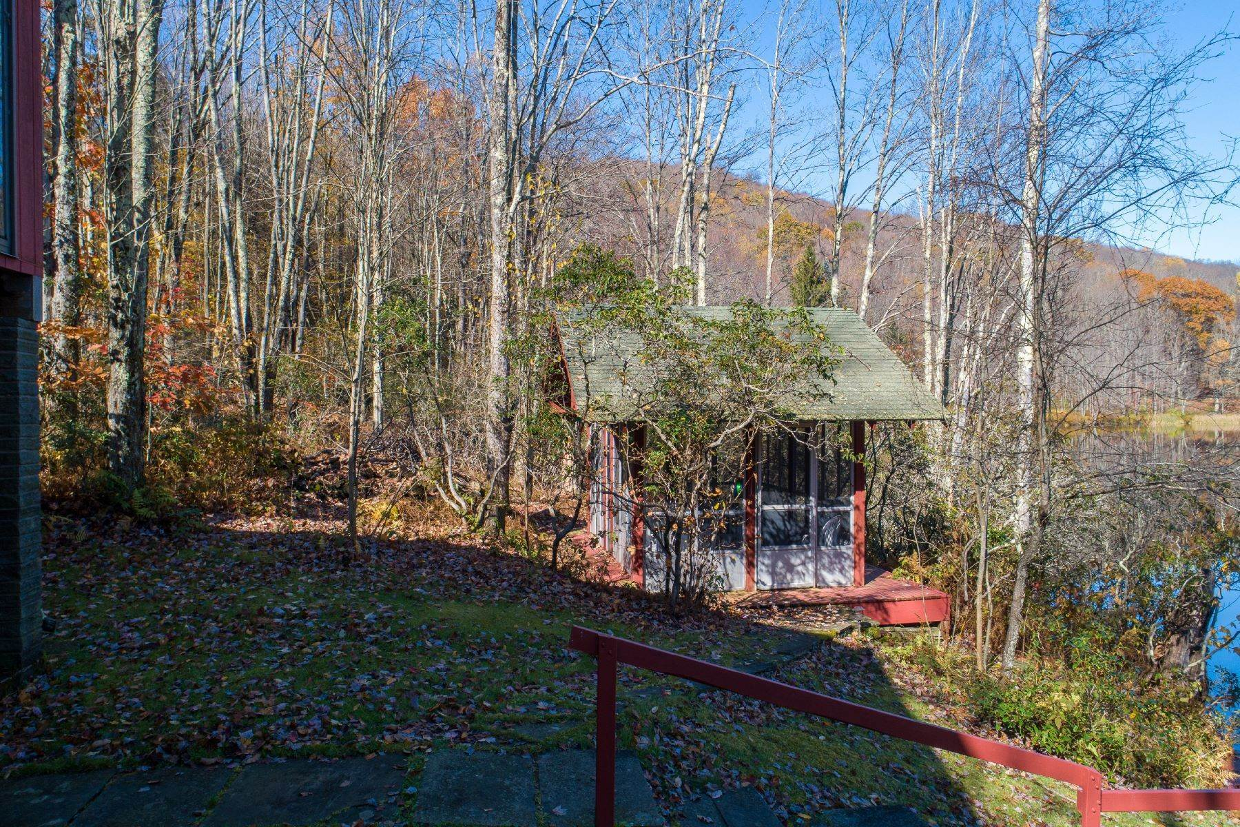 29. Single Family Homes for Sale at Realty Exceeds the Dreams on 17 Acre Private Lake 444 Skunk Hollow Road, Off Fall Clove Rd Andes, New York 13731 United States