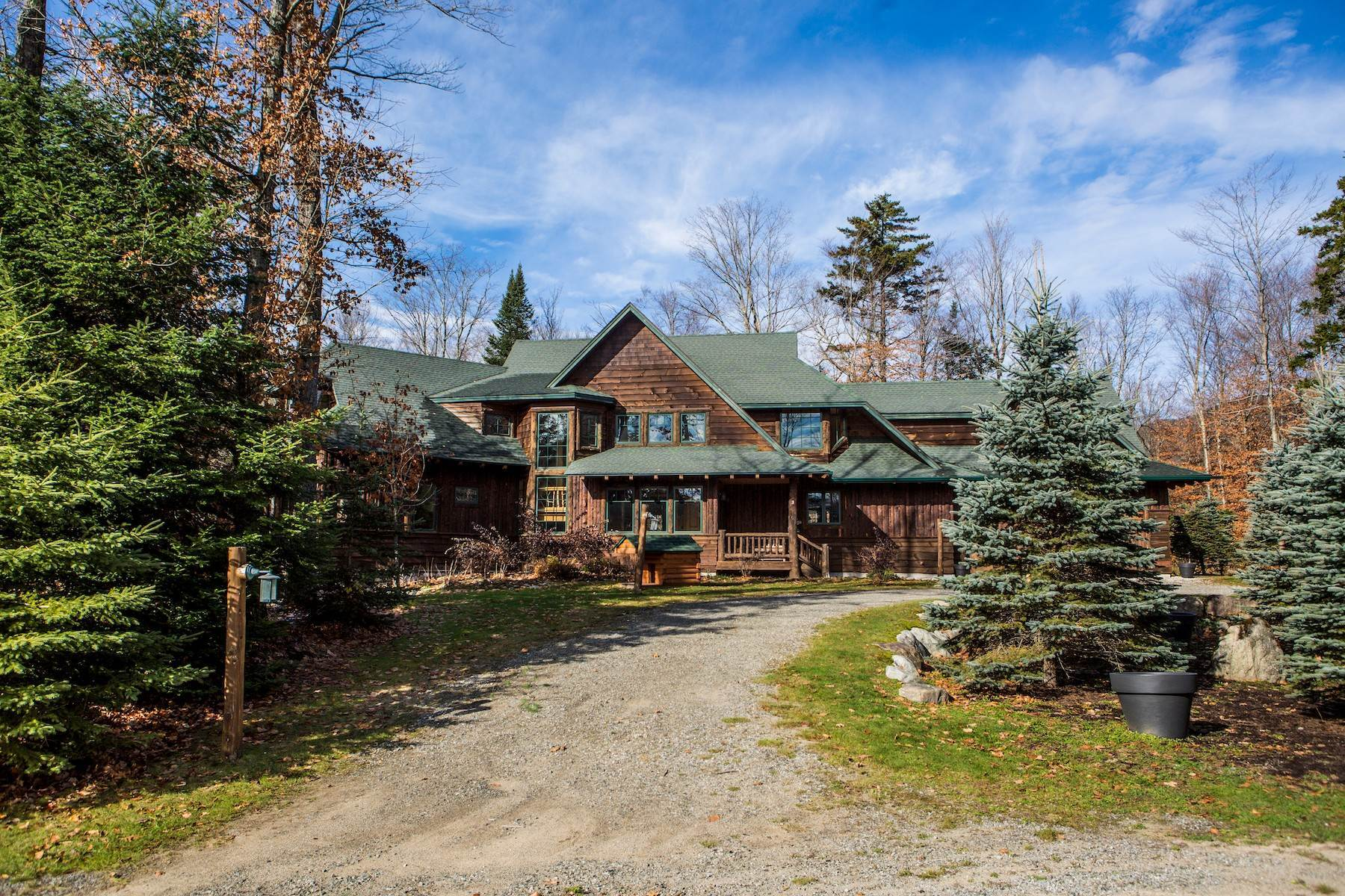 16. Single Family Homes for Sale at Adirondack Grand Lodge 3 Peters Way Lake Placid, New York 12946 United States