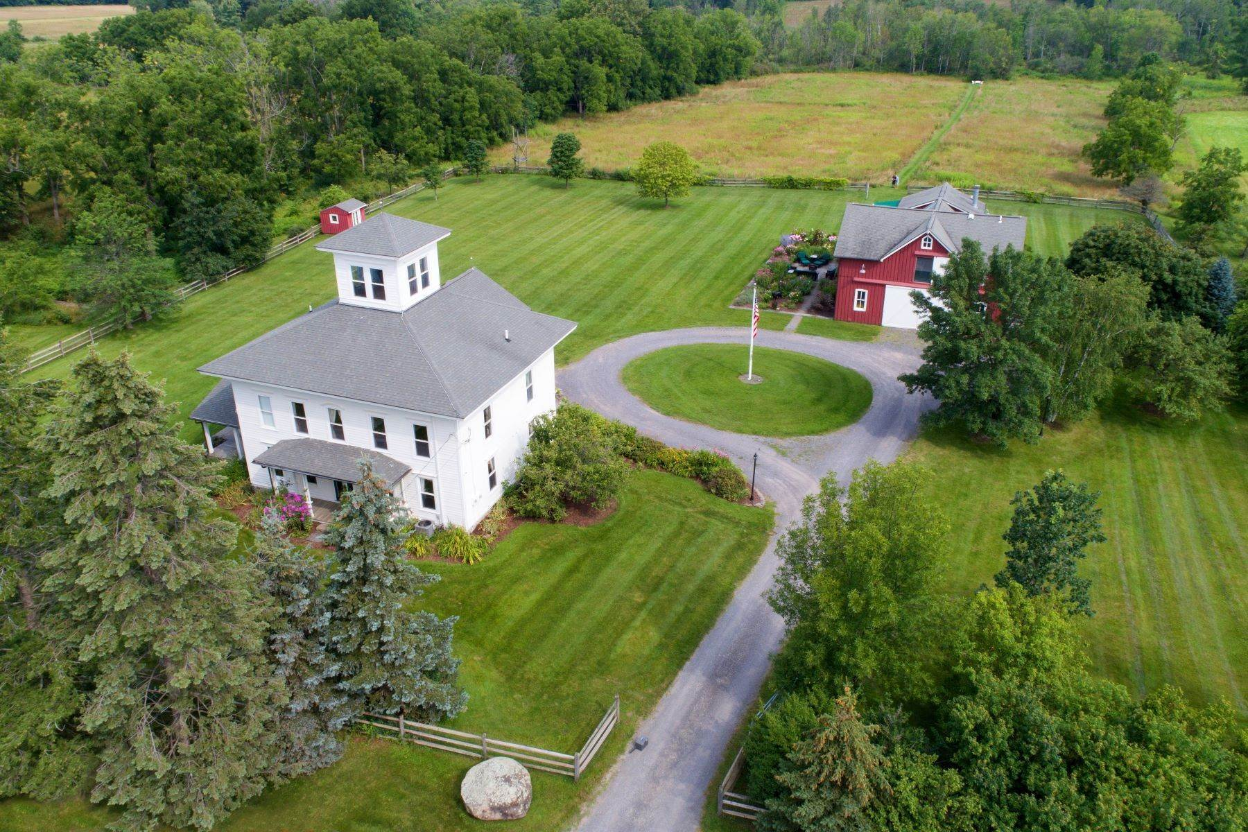 Single Family Homes vì Bán tại Magical Italianate Farmhouse on 132 acres 5819 Updyke Road Trumansburg, New York 14886 Hoa Kỳ