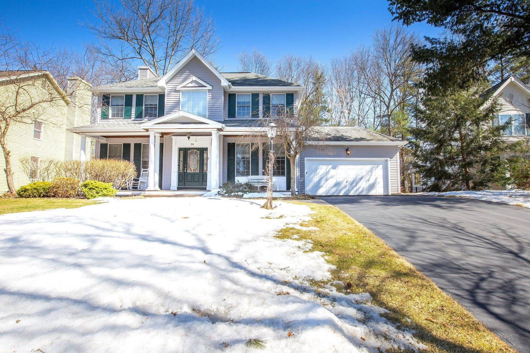 Single Family Homes for Sale at 14 Horizon Dr, Saratoga Springs, Ny, 12866 14 Horizon Dr Saratoga Springs, New York 12866 United States