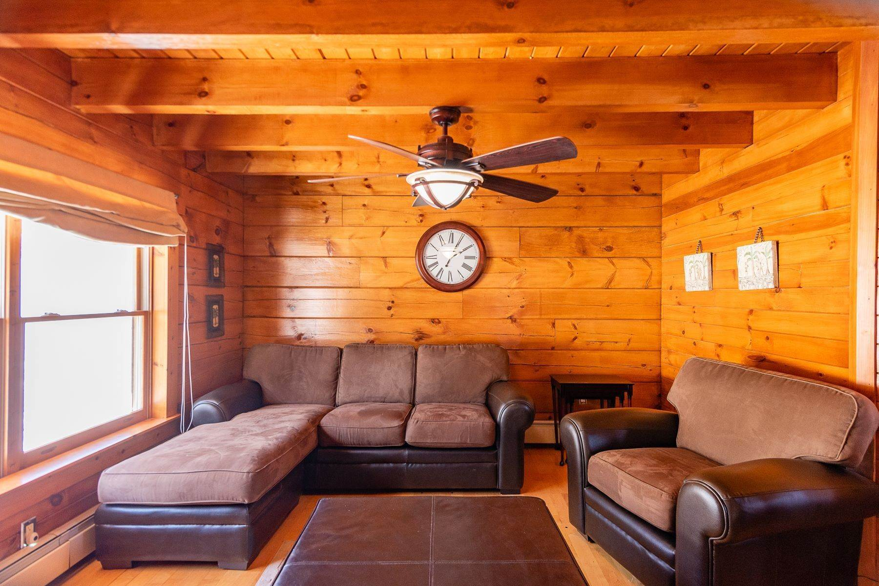 19. Single Family Homes for Sale at Timeless Luxury Yellow Pines Log Cabin 241 Campbell Road Windham, New York 12496 United States