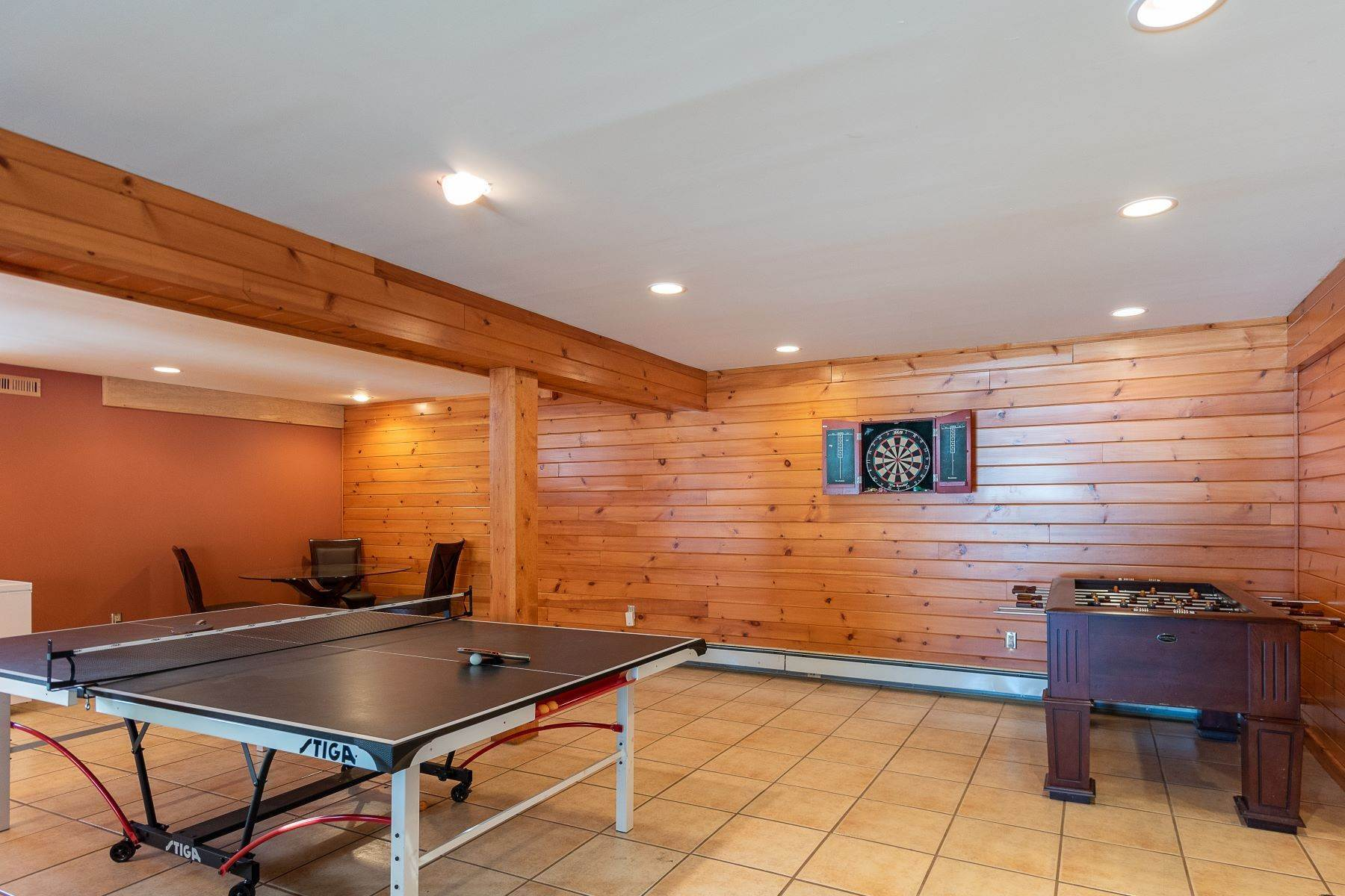 34. Single Family Homes for Sale at Timeless Luxury Yellow Pines Log Cabin 241 Campbell Road Windham, New York 12496 United States