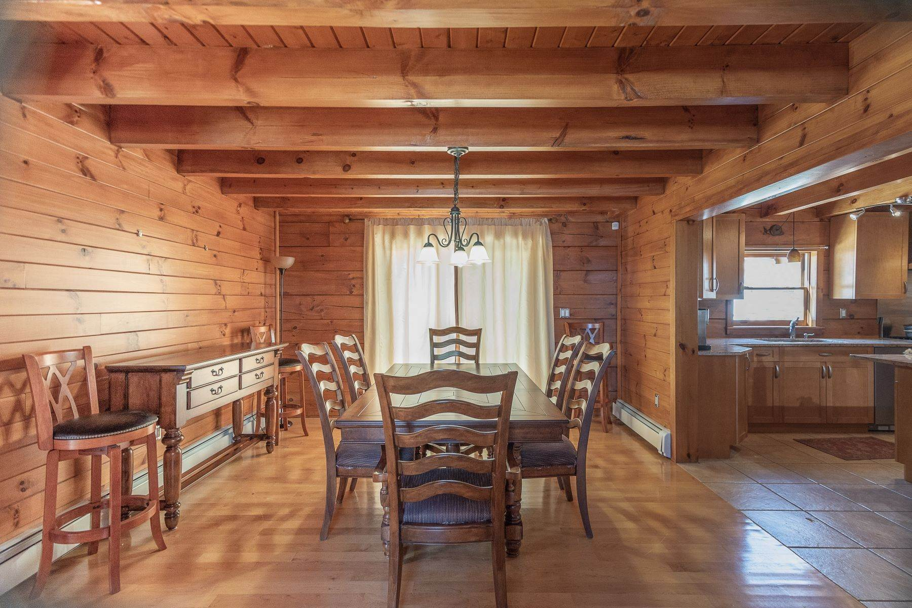 21. Single Family Homes for Sale at Timeless Luxury Yellow Pines Log Cabin 241 Campbell Road Windham, New York 12496 United States